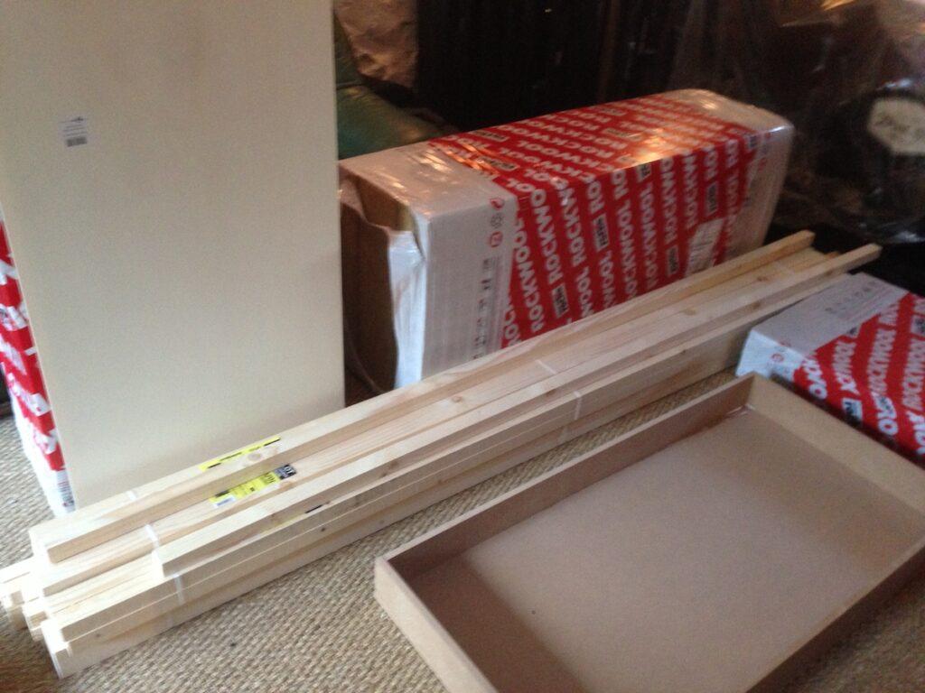 Laine minérale et bois pour construire des panneaux acoustiques absorbeur